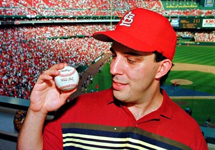 Philip Ozersky, 3 milyon dolara sattığı beyzbol topu sayesinde servet sahibi oldu.