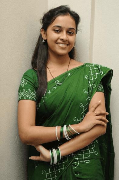 sri divya stills