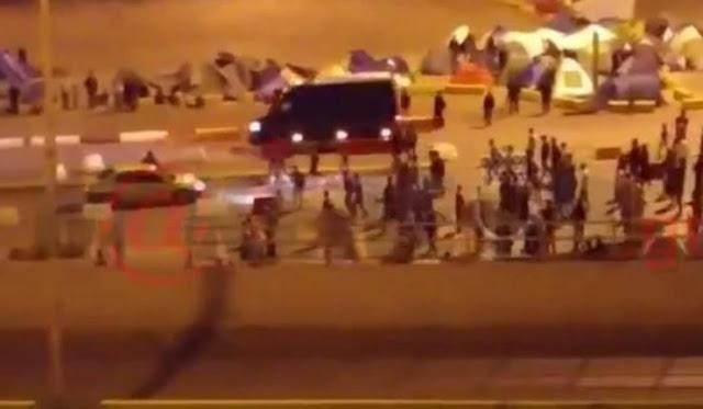ΒΙΝΤΕΟ ΝΤΟΚΟΥΜΕΝΤΟ : Δείτε τι γίνεται τη νύχτα στο γκέτο του Λιμανιού του Πειραια..Μιλιούνια λαθρομεταναστών κάνουν ντου σε ταξιτζή !!