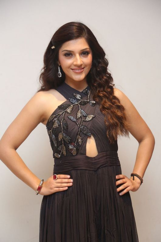 Mehreen Kaur Latest Photos