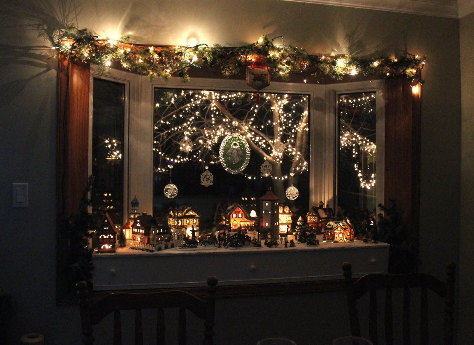 Kathrin 39 s blog december 2011 - Bay window decorating ideas ...