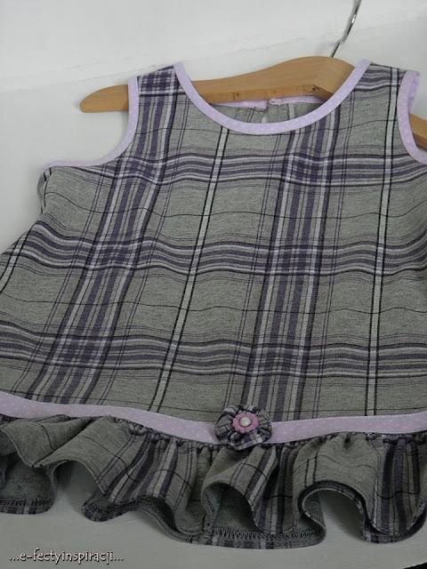 sukienka dla dziewczynki, sukienka z dzianiny dla dziewczynki, jak uszyć sukienkę dla dziewczynki, wyzwanie szyciowe, uwalnianie tkanin, po co to kupiłam, recykling, przeróbka, moje szycie, e-fectyinspiracji, Poznań Szyje