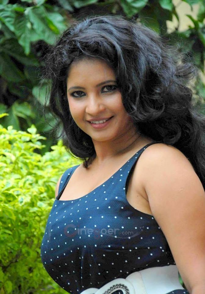 Indijska vroča igralka Južno indijska prsata vroča seksi igralka Shubha Punja začinjena pazduha, pupak ogromna-2971