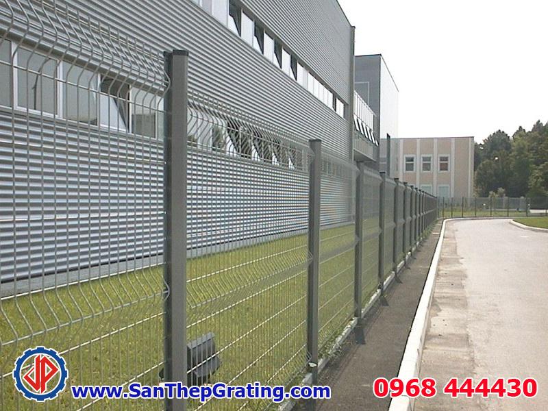 Hàng rào thép, lưới thép hàn mang lại vẻ đẹp cho các nhà máy, biệt thự