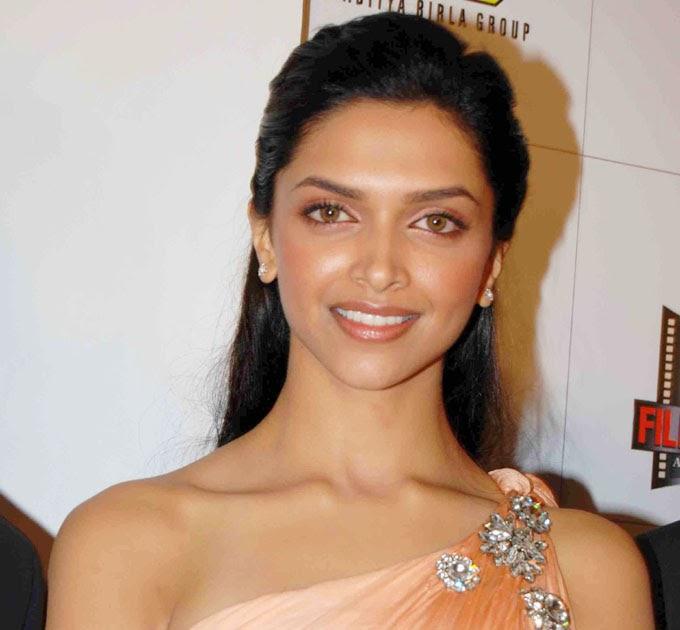 Bollywoodphoto: Deepika Padukone