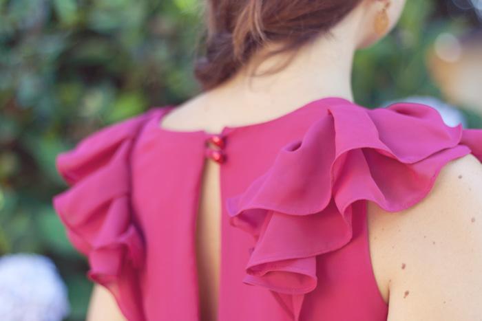 Invitada perfecta verano 2015. Mono exclusivo color rosa con volantes en las mangas y espalda escotada. Look invitada evento especial o boda. Exclusivo en La boutique de la bocoque