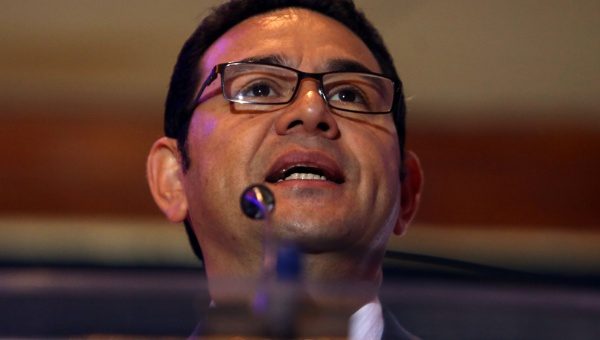 Acusan de corrupción a hermano e hijo del presidente de Guatemala