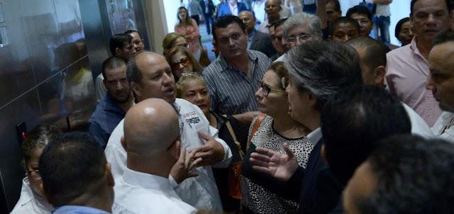 Advierten que banquero Guillermo Lasso intensificará campaña de deslegitimación en Ecuador