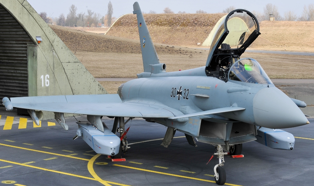 European+consortium+MBDA+is+offering+to+sell+300+km-range+version+of+the+Taurus+KEPD+350+air-launched+high+precision+standoff+cruise+missile+Indian+Air+Force+%2528IAF%2529+EUROFIGHTER++SU30MKI+PAKFA+LCA+.jpg