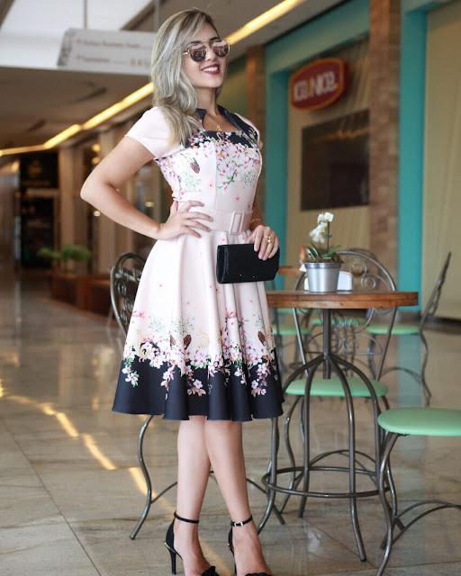 https://www.lojaflordeamendoa.com.br/produto/vestido-midi-luna-floral-com-cinto-moda-evangelica