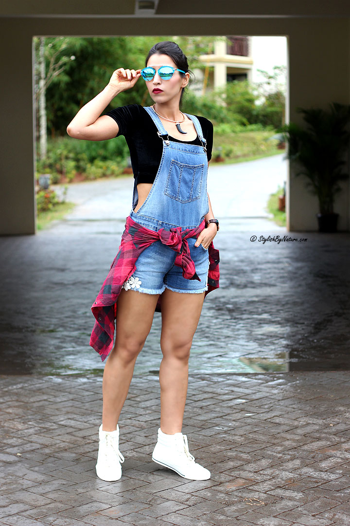 How to wear dungaree shorts