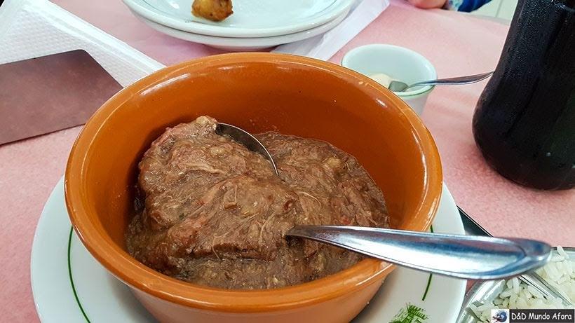 Barreado, prato típico do Paraná no restaurante Madalozo - Encontro da RBBV