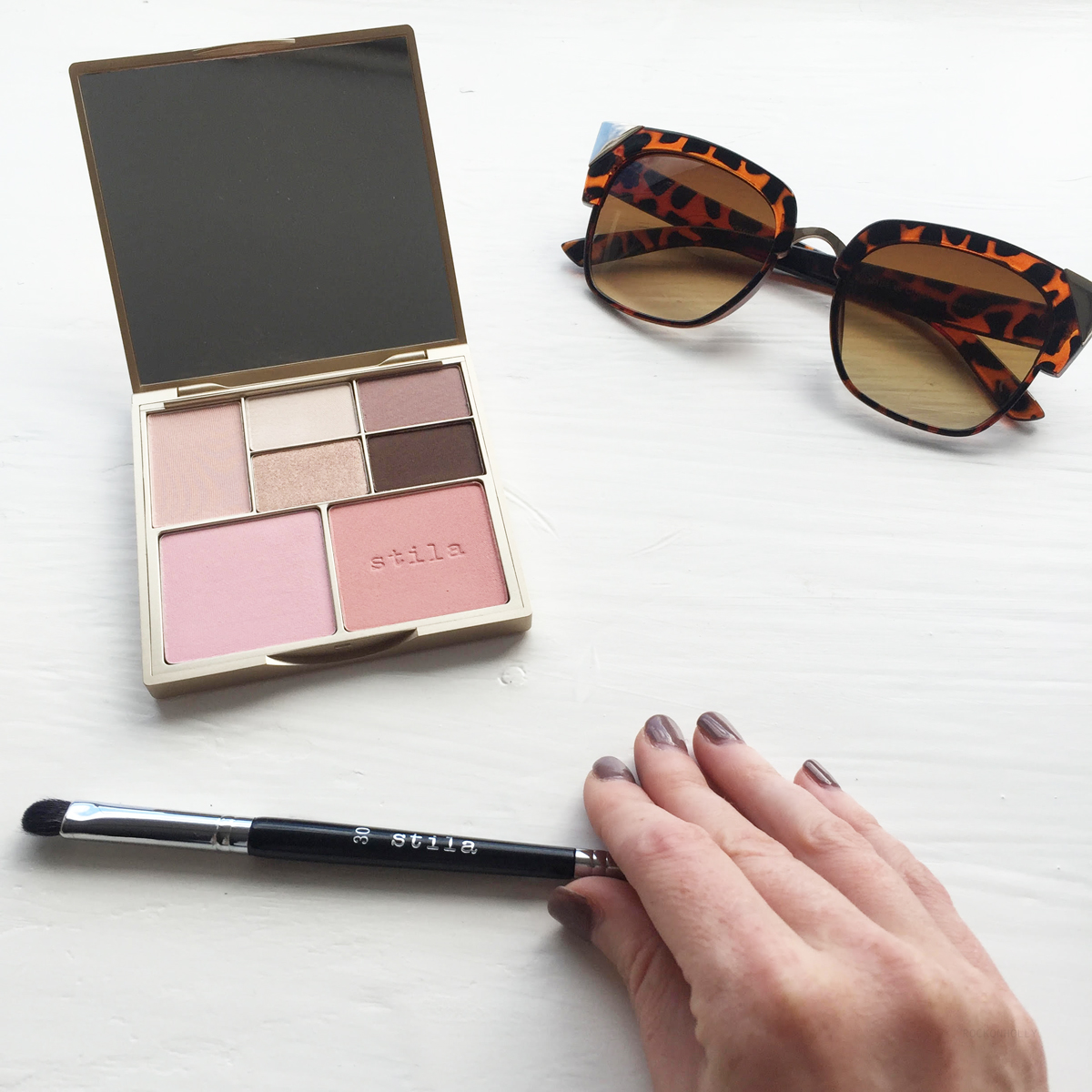 Review of the Stila Perfect Me Palette on the Rock On Holly blog