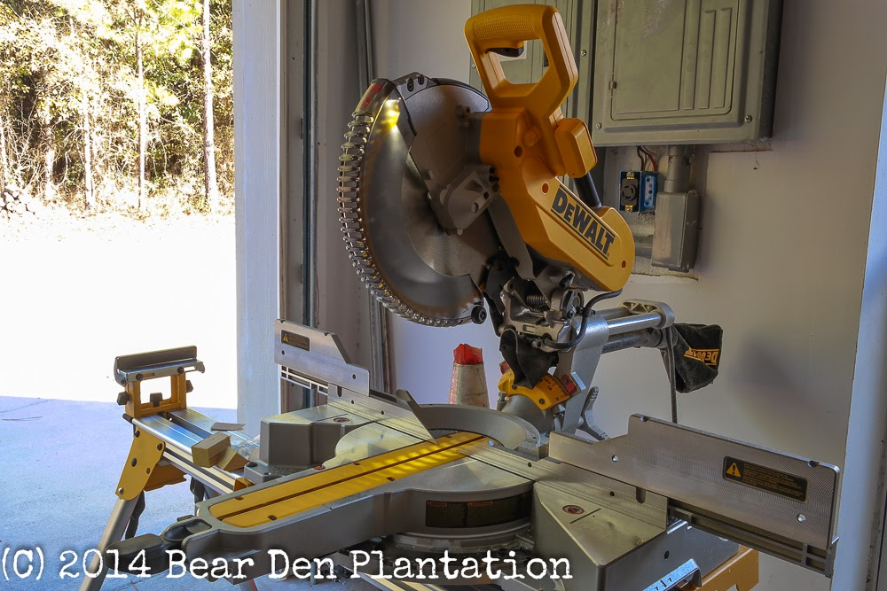 Dewalt DWS780 12 inch sliding compound miter saw
