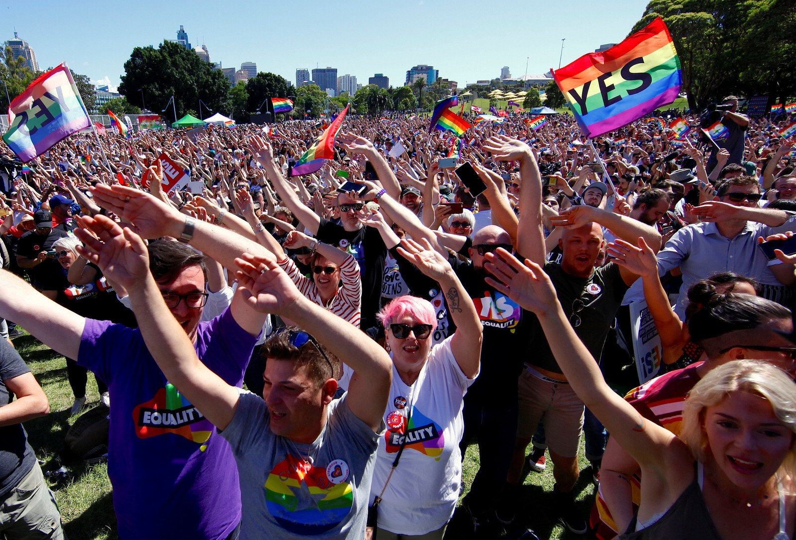 Maioria dos australianos vota a favor de casamento entre pessoas do mesmo sexo