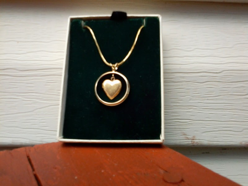 Widows Christian Place Treasures From Your Jewelry Box