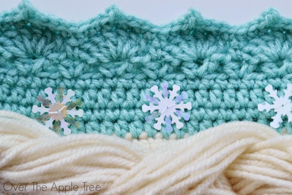 Crochet Elsa Tiara Pattern Free : Over The Apple Tree: Crochet Elsa Crown With Hair