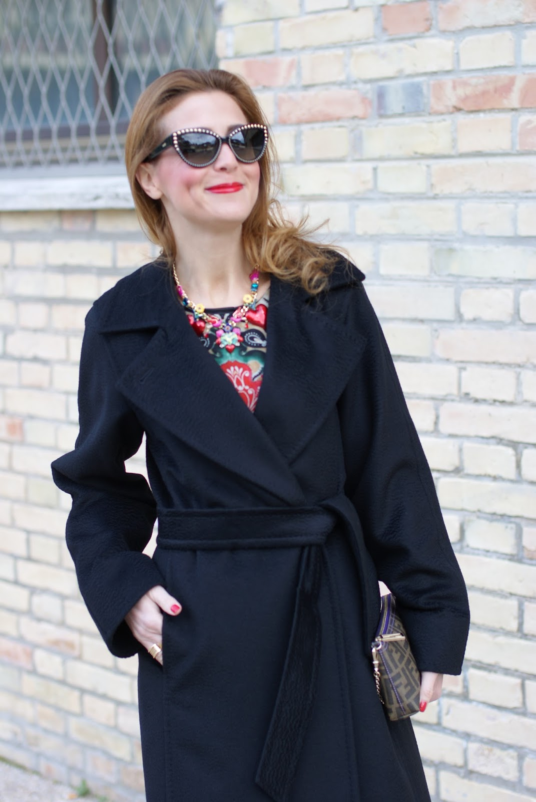 best black coat: Max Mara Manuela camel coat, Red Valentino floral dress and Fendi Zucca clutch on Fashion and Cookies fashion blog, fashion blogger style