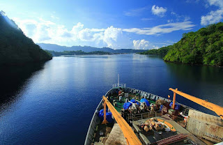Teluk Banda, Kepulauan Banda, Maluku Photo by @pacebrewok