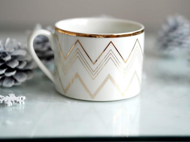 H&M white and gold mug