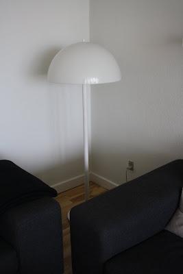 home sweet home lampen tv bordet gode dba k b. Black Bedroom Furniture Sets. Home Design Ideas