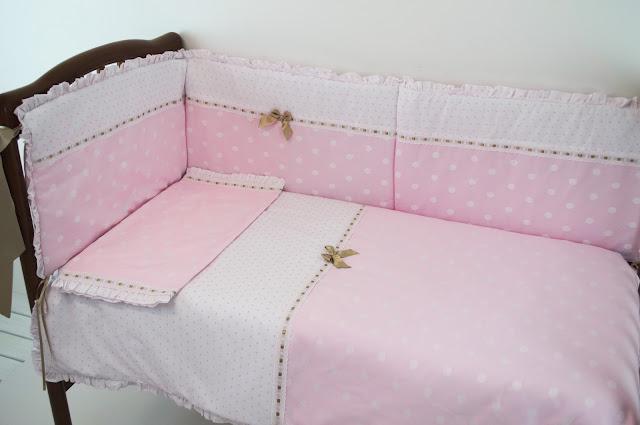colcha cuna rosa plumeti jacquard camel