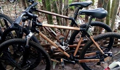 sepeda bambu pasar papringan ngadiprono temanggung