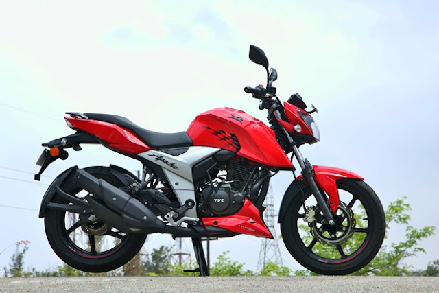 New 2018 TVS Apache RTR 160 4V sport bike