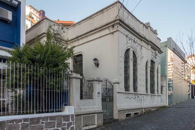 Uma casa na Rua Buenos Aires