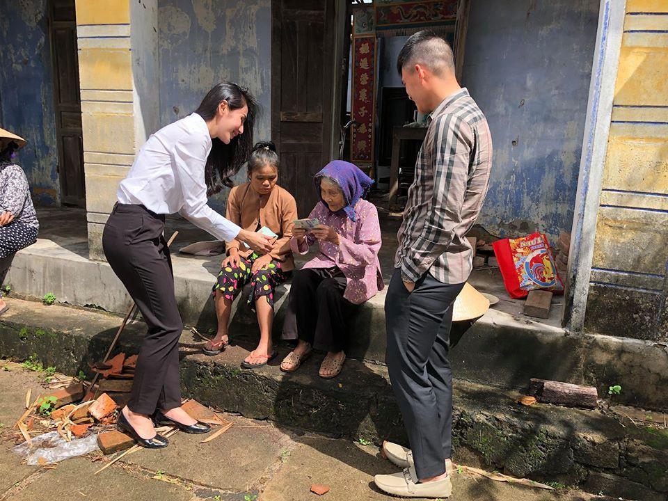 Thủy Tiên và Lê Công Vinh đi Phú Yên từ thiện