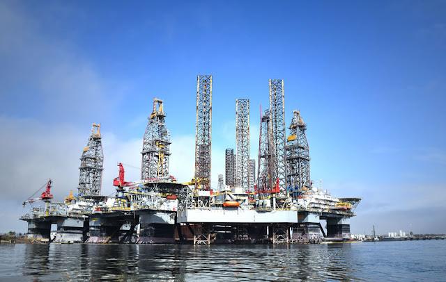 Gambar Pertambangan minyak lepas pantai Asia