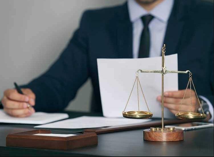 اسال محامي في الامارات - ارقام استشارات قانونية في الامارات