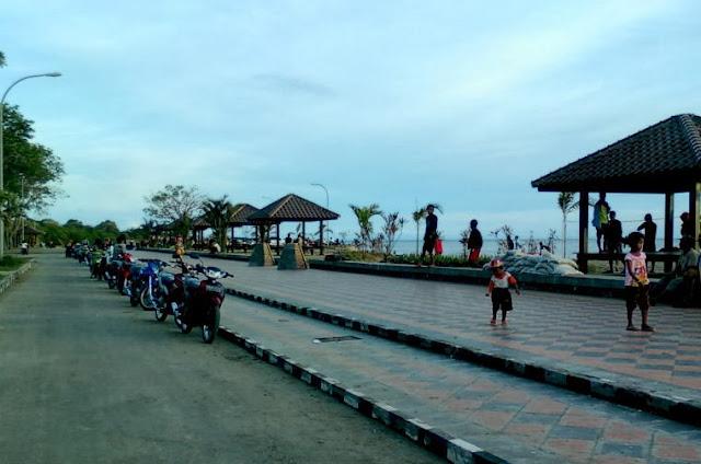 Area Parkir Wisata Pantai Marina Semarang