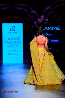 Bollywood Actress Malaika Arora Khan Walks on Ramp at LFW Summer 2017  0029.jpg