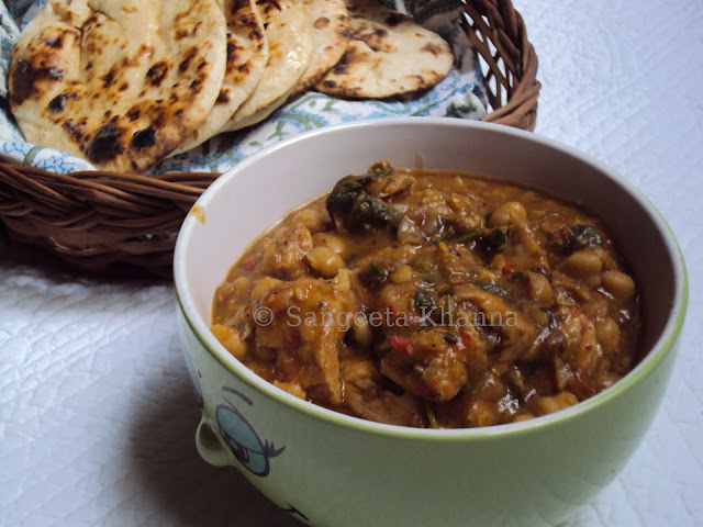 chicken and chickpeas curry with naan