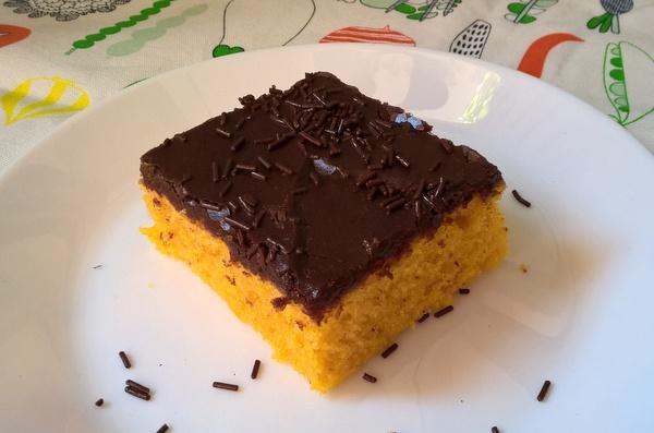 bolo de cenoura cozida,bolo de cenoura receita fácil,brazilian carrot cake
