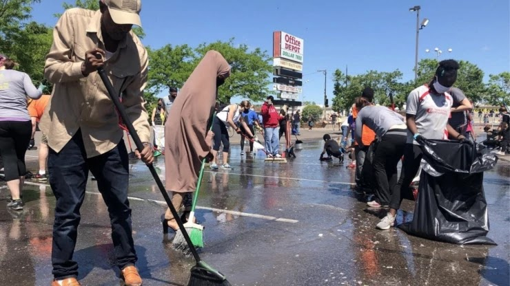 White, Black and Muslim Unite To Clean Up Minneapolis In Show Of Unity