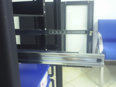 Montagem de Trilhos em gabinetes Nilko