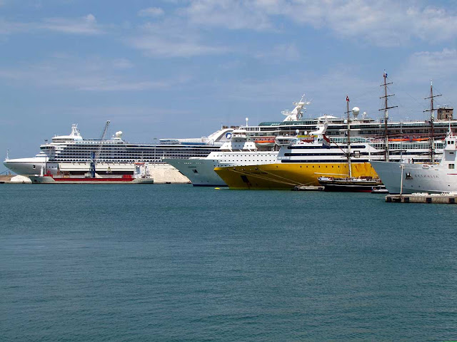Six bows of different types of ships, port of Livorno