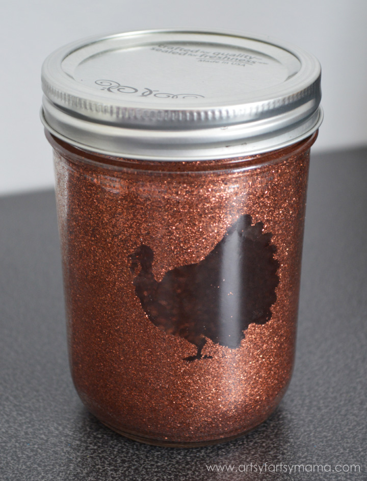 Glittered Thanksgiving Mason Jars at artsyfartsymama.com