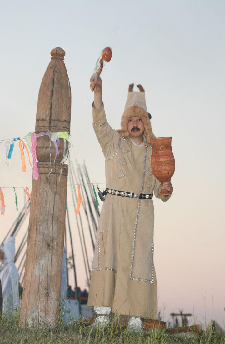 собрать наибольшее открытки с праздником ысыах коттедж-замок берегу