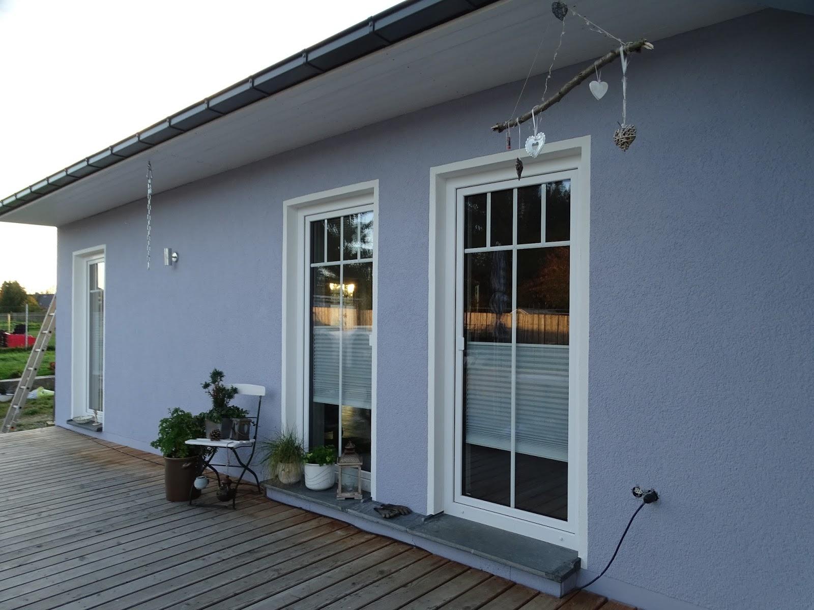 manu s white love unser haus hat farbe bekommen. Black Bedroom Furniture Sets. Home Design Ideas