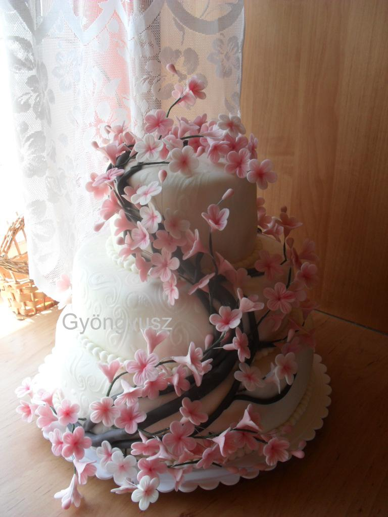 virágos esküvői torta Gyöngyusz konyhája és cukrászdája: Japán cseresznye virágos  virágos esküvői torta
