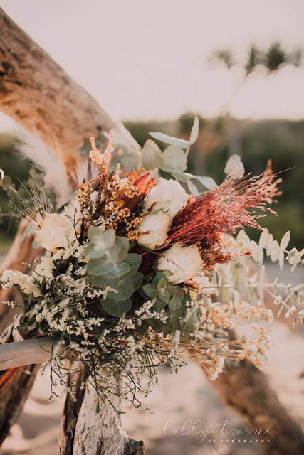 TOWNSVILLE WEDDING FLORALS DESIGNER BRIDAL BOUQUET FLOWERS LIBBY TWINE PHOTOGRAPHY