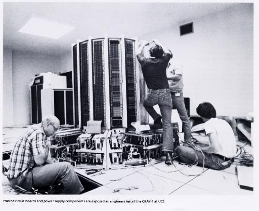 """كمبيوتر """"Cray-1"""""""