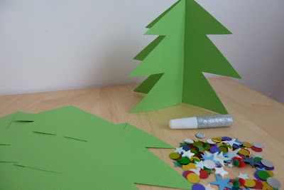Christmas tree decoration activity