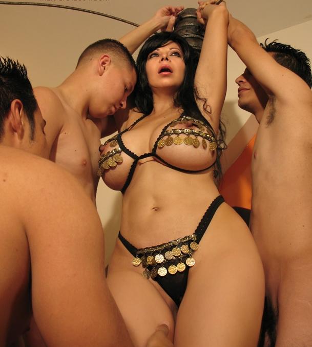 Sexy bellydancer porn 1