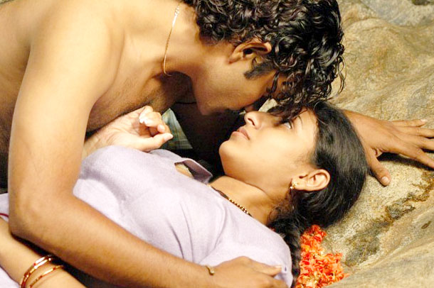 Telugu Actress Wallpaperscelebrity Actor And Actress  Photo Of Movie Wallpapers Lip Kiss Hot Heroins Stills And Pics-7030