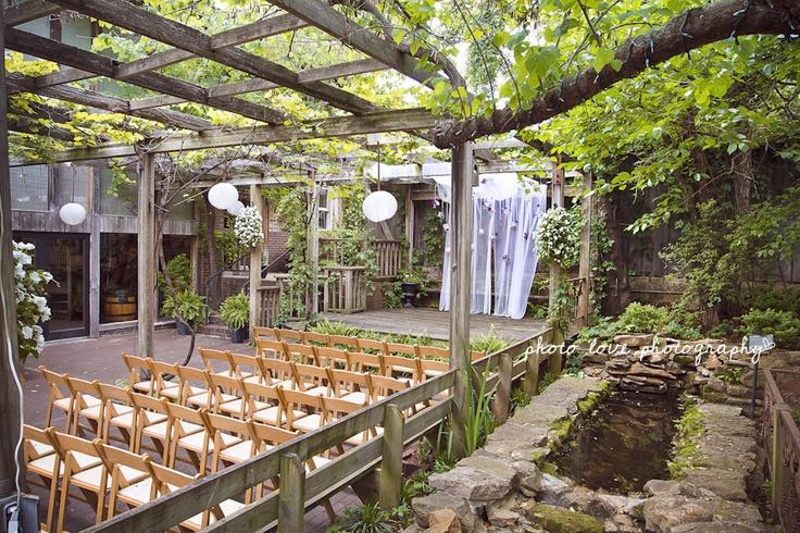 Nuansa Taman (bridalguide.com)