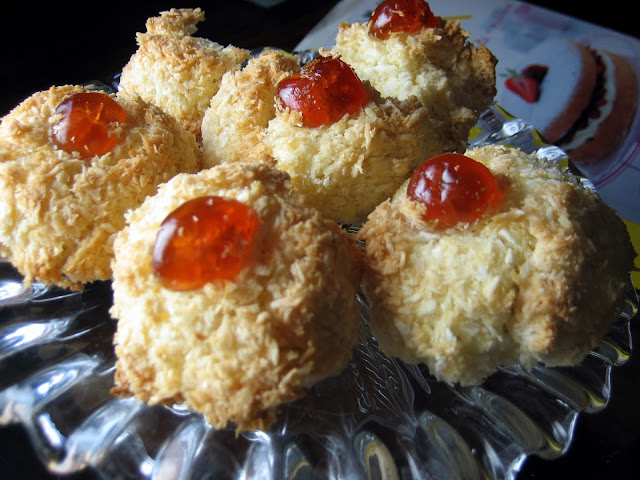 biscuit, little treat, easy recipe, coconut macaroon